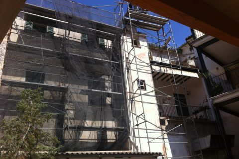 RENOVATION APARTMENT SOLLER