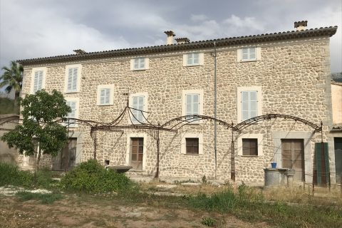 RENOVATION COUNTRY HOUSE CAN PRUNERA